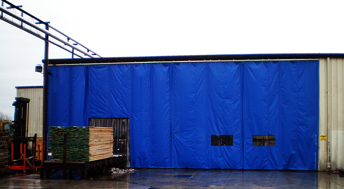 Sliding warehouse curtain wall